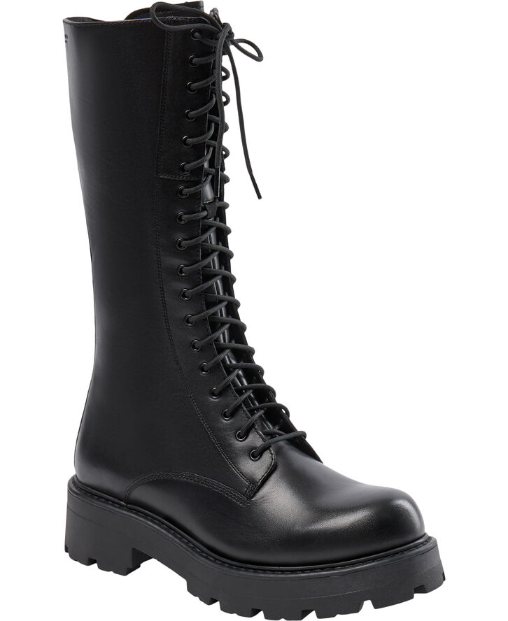 Tall boots low heel