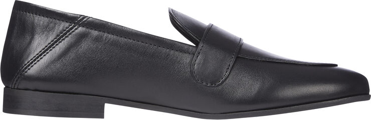 TH ESSENTIALS LEATHER LOAFER