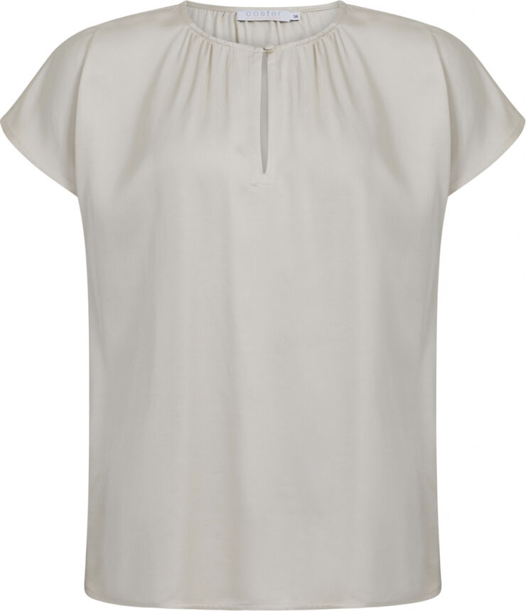 Top with shortsleeves and gatherings