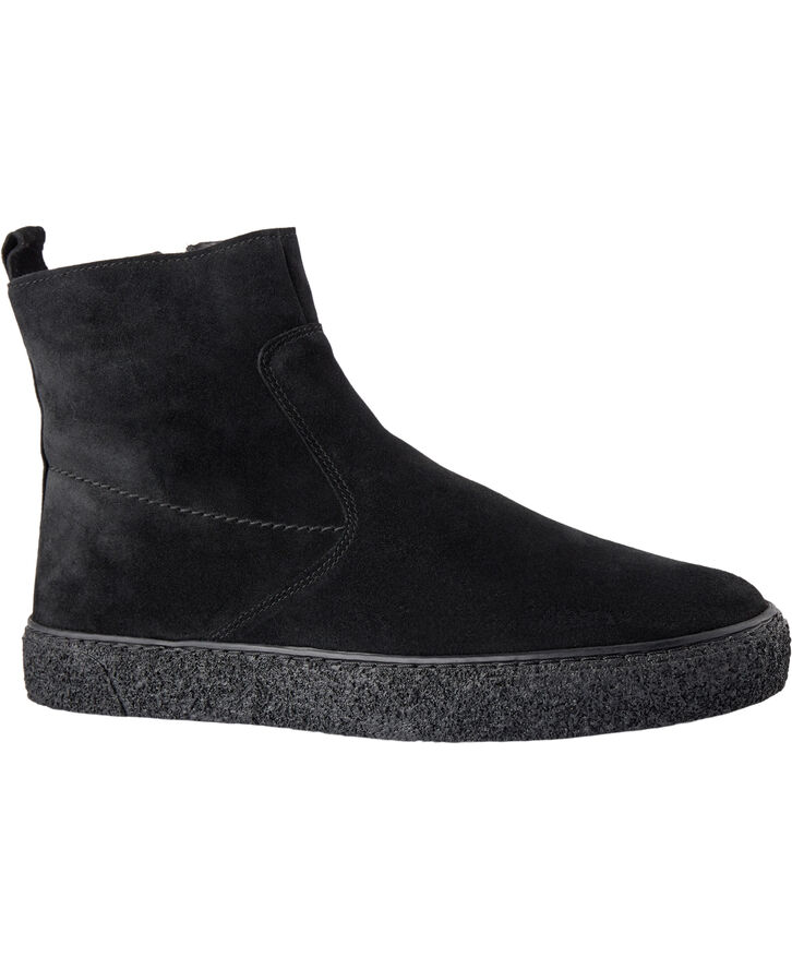 Sport boot in suede with stitching